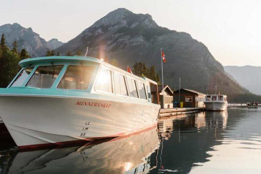 Banff Lake Cruise at Lake Minnewanka