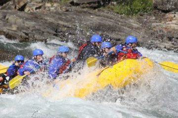 Class 4 rapids fun on the Horseshoe Canyon